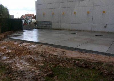 Leggen van betonplaten West-Vlaanderen